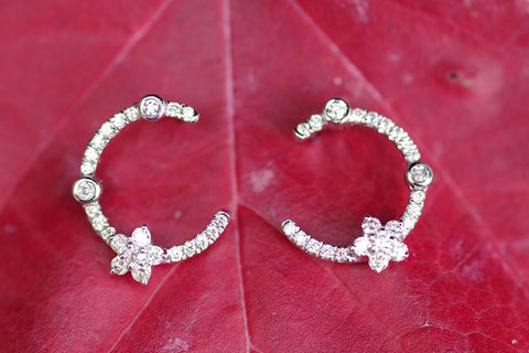 14k White Gold Diamonds Crescent Earrings