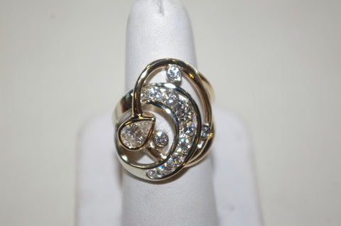 (Design ideas) 14k White Gold Swirl and Diamond Ring