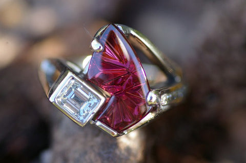 (Design Ideas) 14k White Gold Rhodolite Garnet and Diamond Ring