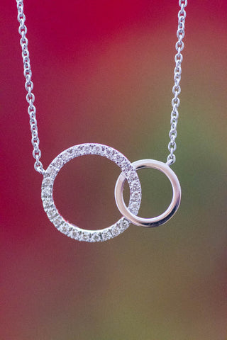 14k White Gold Interlocking Circles Pendant