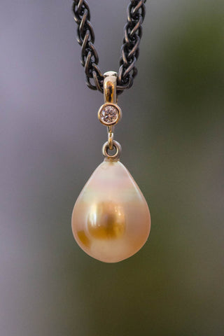 14k Yellow Gold and Tahitian Pearl Pendant