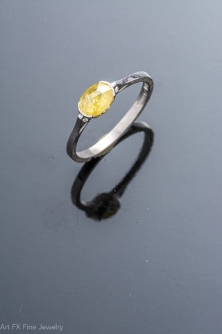 18k White Gold and Yellow Diamond Ring