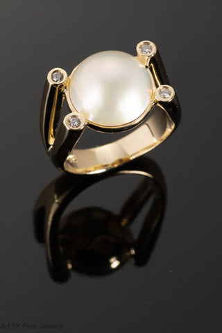 14k Yellow Gold Mabe' Pearl and Diamond Ring