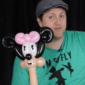 Two-Minute Minnie Mouse Balloon Art by Balloon Josh