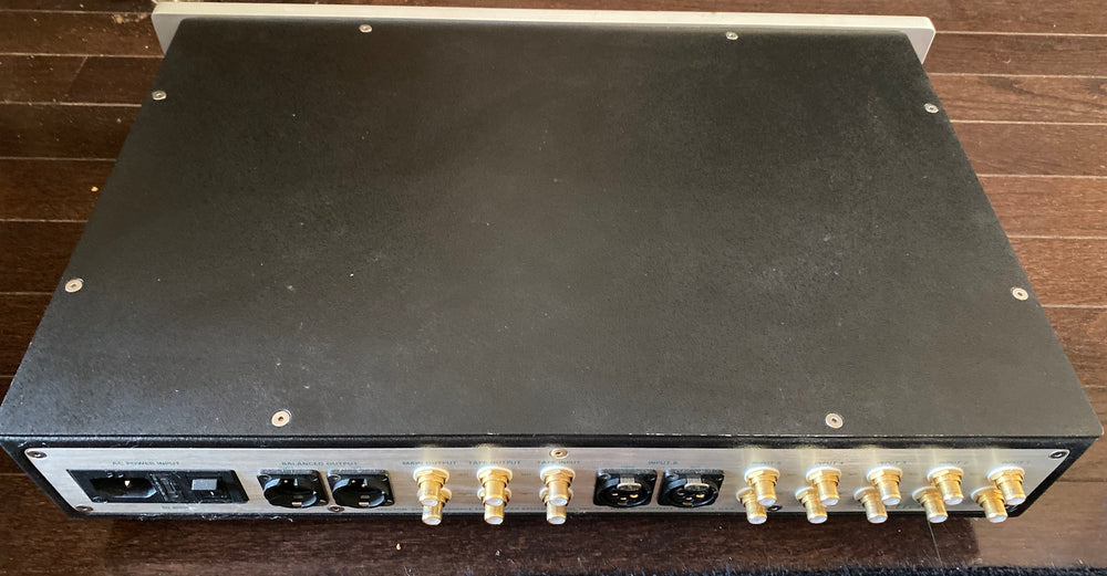 Spectral DMC-30SV Preamplifier [Previously Owned] - Alma Music and Audio - San Diego, California