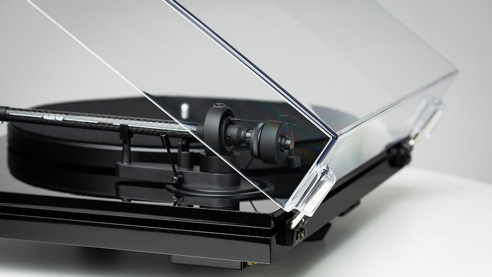 Music Hall mmf-3.3 Turntable