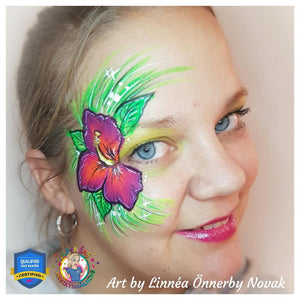 Hibiscus Eye Design by Linnéa