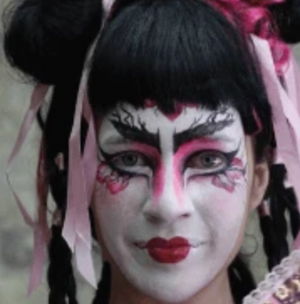 Geisha Face Paint Video Tutorial by Athena Zhe