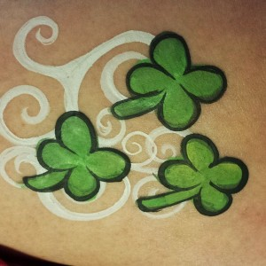 Tutorial: Fun & Easy Four Leaf Clover Design