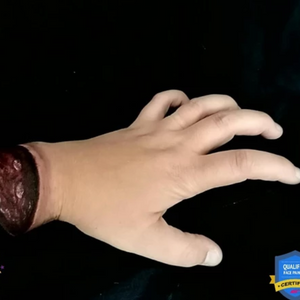Video: Addams Family Chopped Hand Paint Tutorial (Thing)  by Linnéa Önnerby Novak