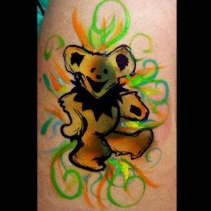 Tutorial: Fast & Easy Tie Dye Grateful Dead Bear Design