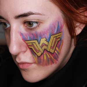 Wonder Woman Face Paint Video by Ana Cedoviste