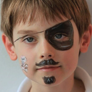 Easy Pirate Face Paint Video Tutorial by Kiki