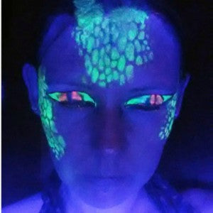 Painting with Blacklight Reflective - A UV Lizard Mask