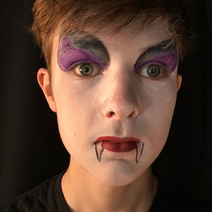 Vampire Face Paint Design Tutorial by Kiki