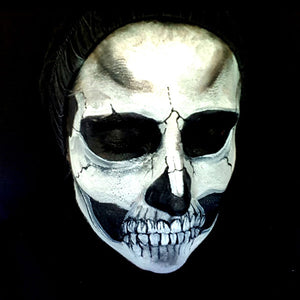 Skull Halloween Tutorial by Caroline Healy
