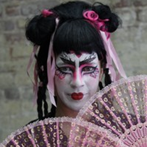 Geisha Halloween Makeup Video Tutorial