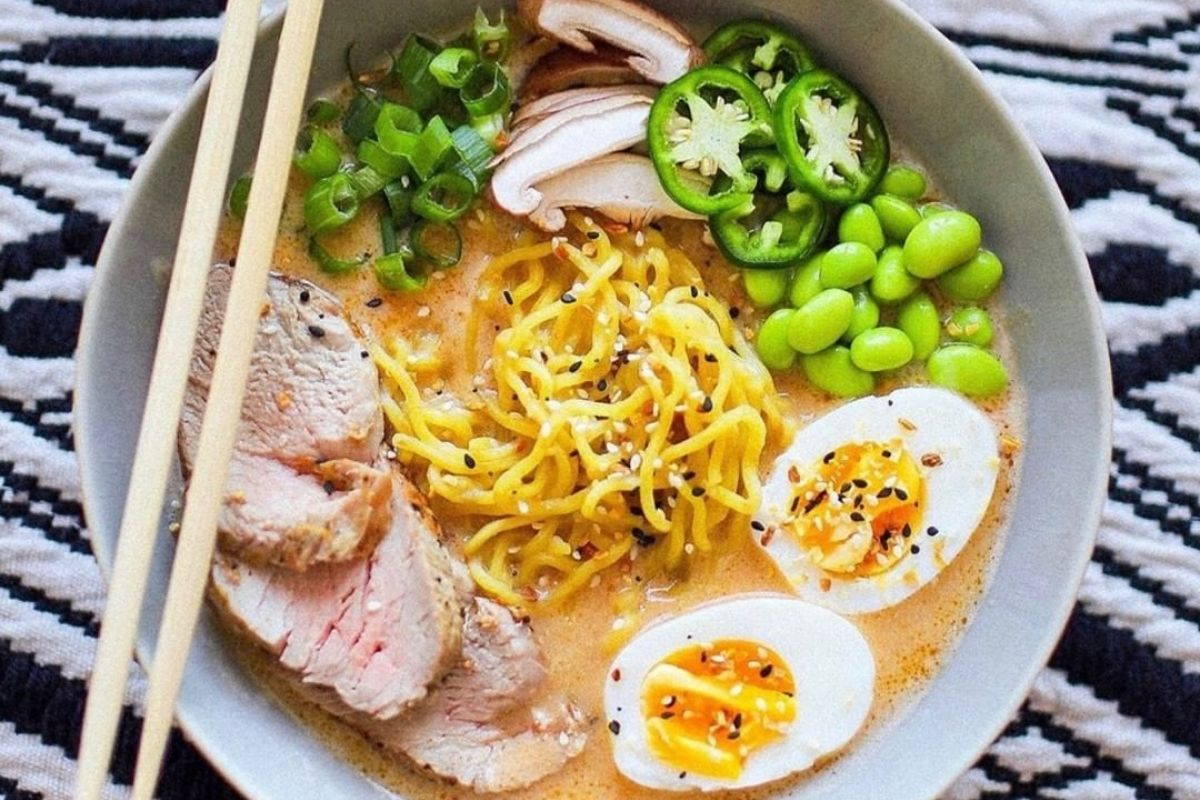 bowl of chicken ramen with toppings