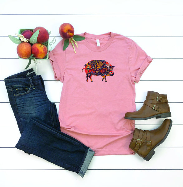 Gifts for mom/pig shirt/farm shirt/ladies tee/farm animal shirt/pig shirt/southern tee/hippie tee/fun tee/garden shirt/shirt