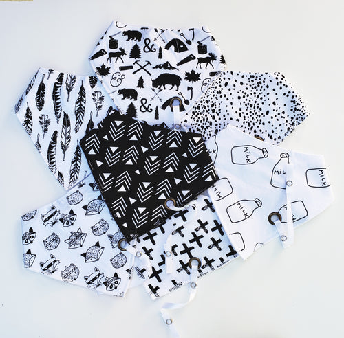 Black and White Drool Bib - Baby Bear Outfitters