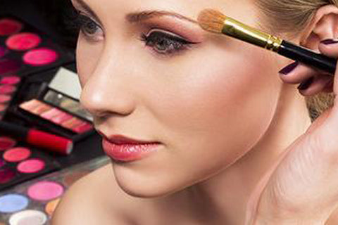 Aging Makeup Mistakes to Avoid Facial Oil