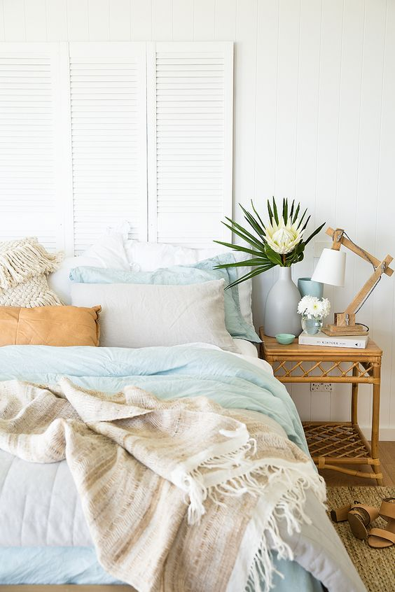 Get Inspired: 30 Dreamy Coastal Bedrooms