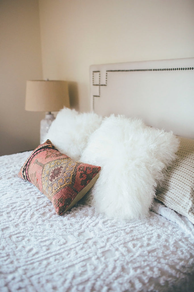 Tips For Choosing Layering Pillows For Bohemian Style Bedrooms Homies
