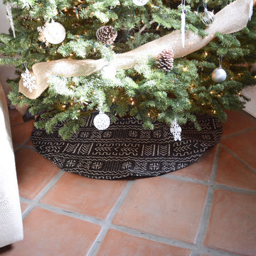 Tribal Christmas Tree Skirt - Black