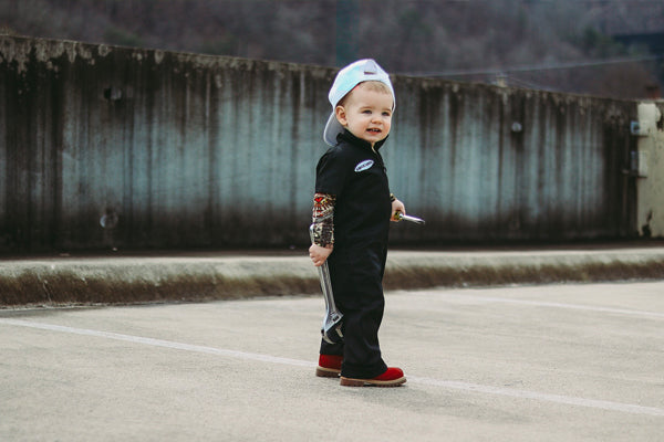 Knuckleheads Little Threads - Celebrity Baby And Kid`s Clothing