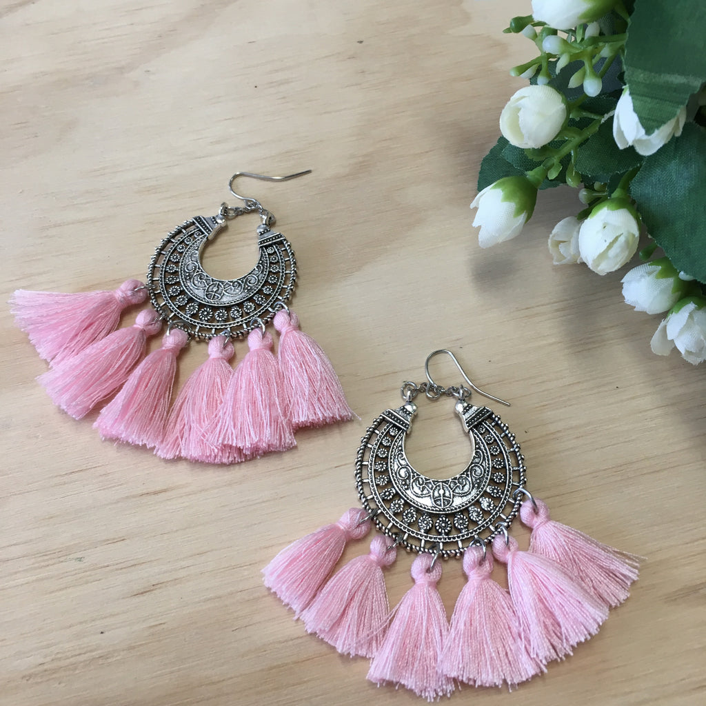 BOHO TASSEL EARRINGS - PINK