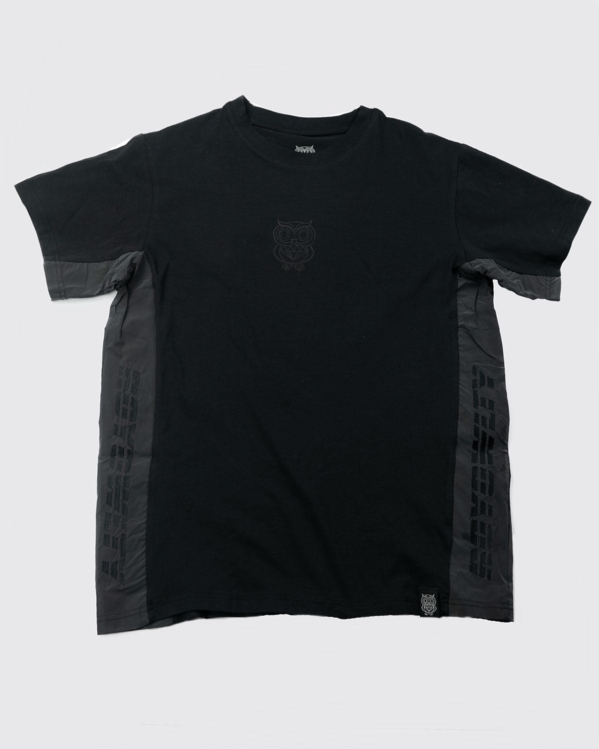 Rainbow reflective Tee- Black