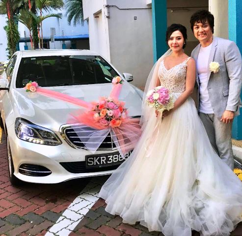 Wedding Couple Mercedes E Class