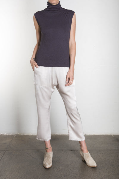 PLUSH SLEEVELESS MOCK TURTLENECK - DK GREY