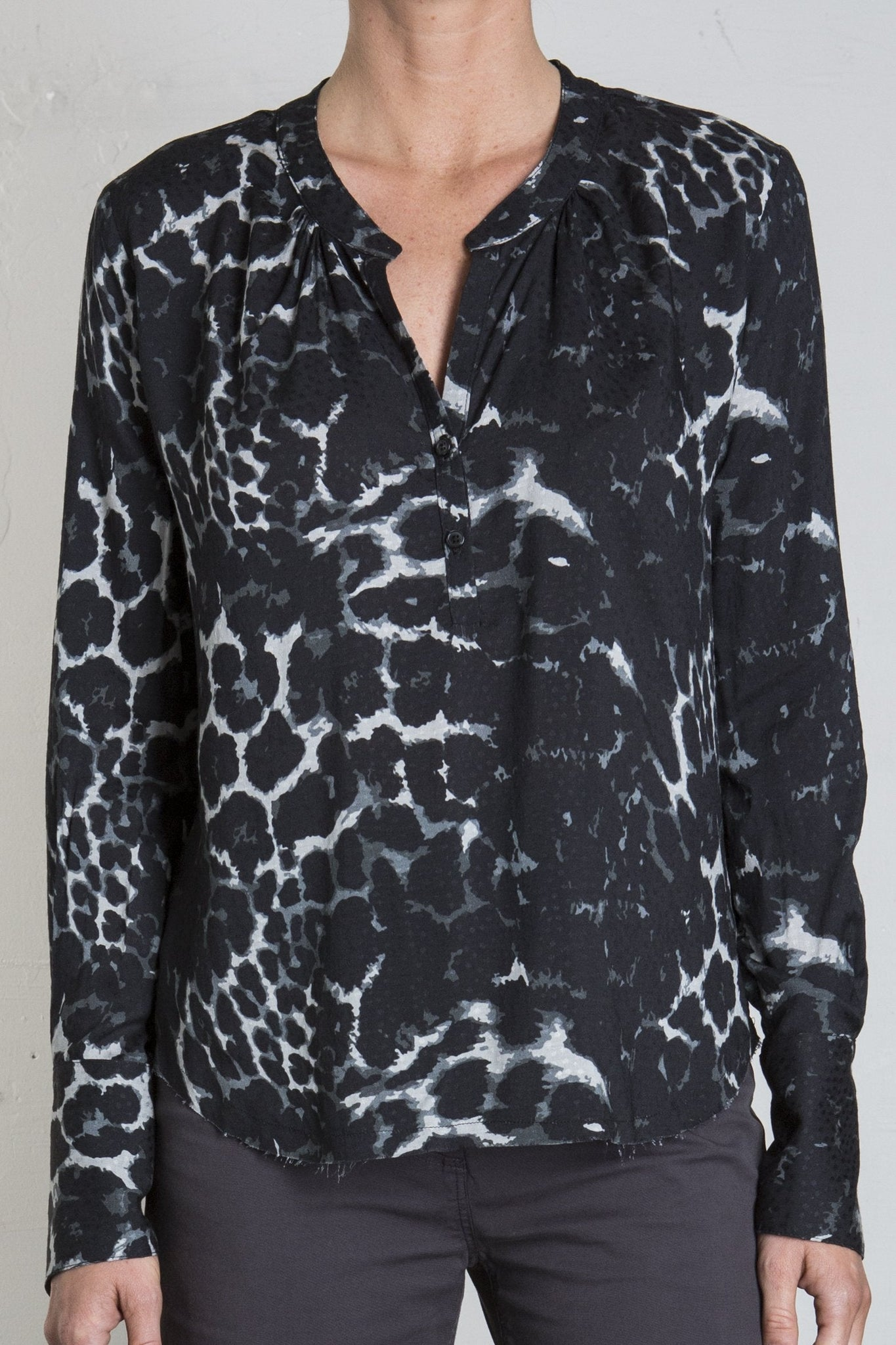 MICHELLE BLOUSE - DARK LEOPARD