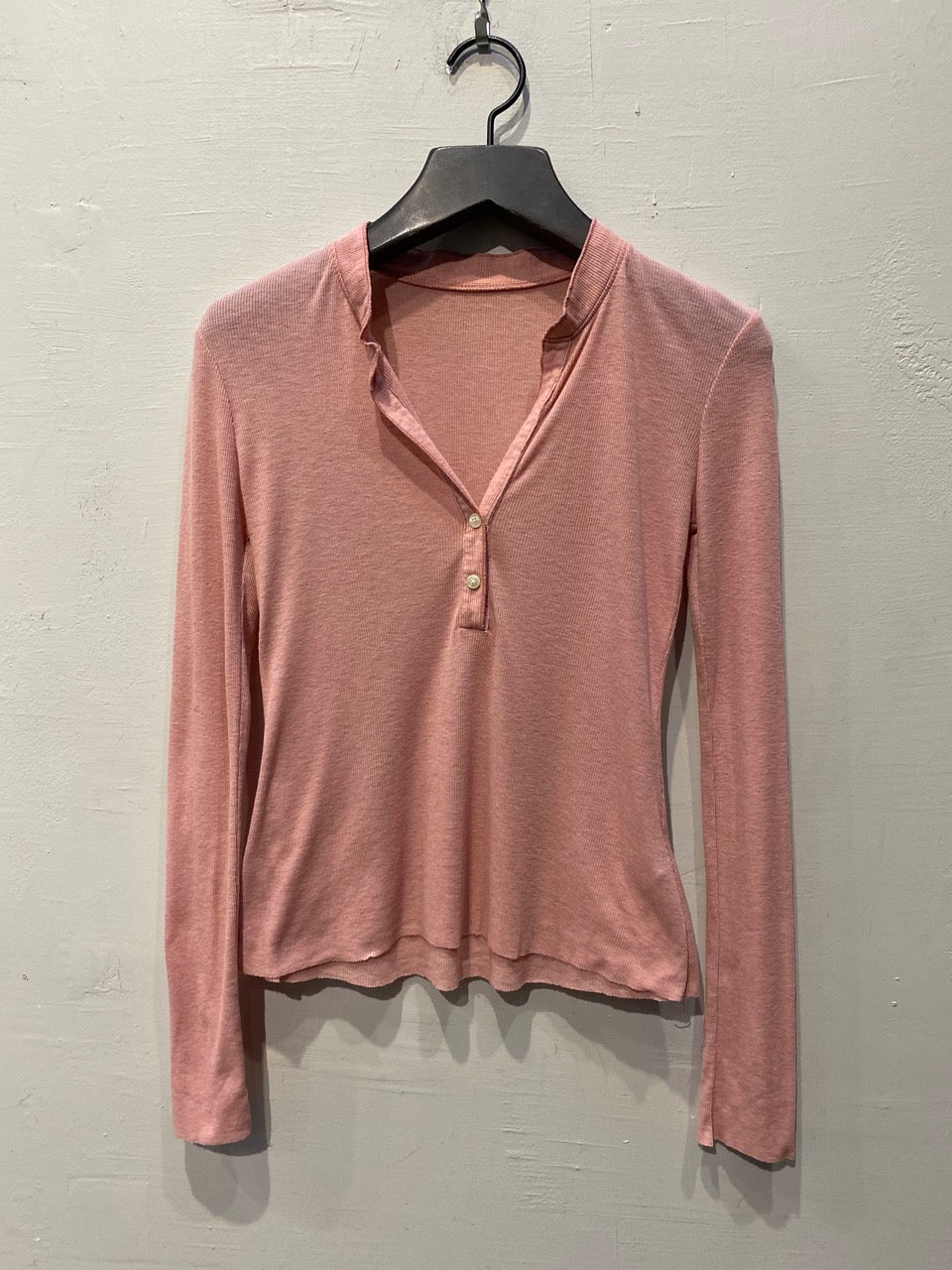 Jude Feather Weight Henley Rib Tee - Rose