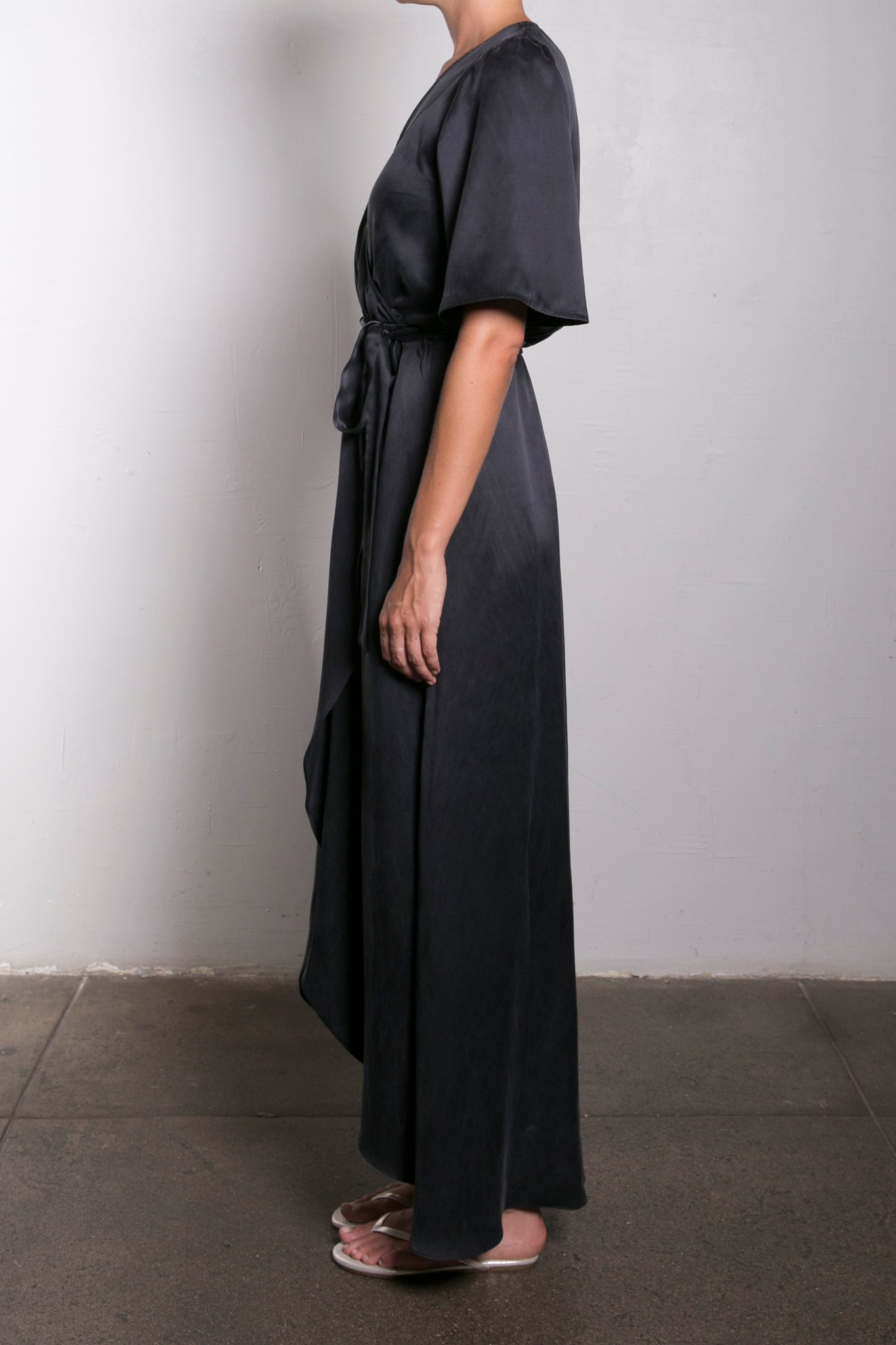 BELLA DRESS SANDWASHED SILK - BLACK