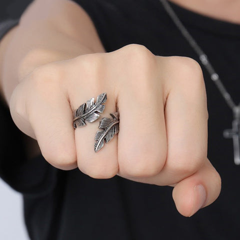 Perhiasan Cincin Gothic Pria Stainless Vernyx Hawk Feather