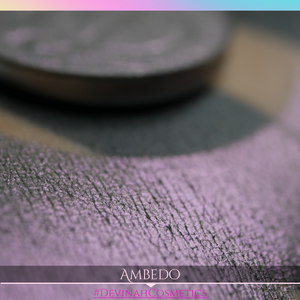 Pink dipped plum shimmer eyeshadow