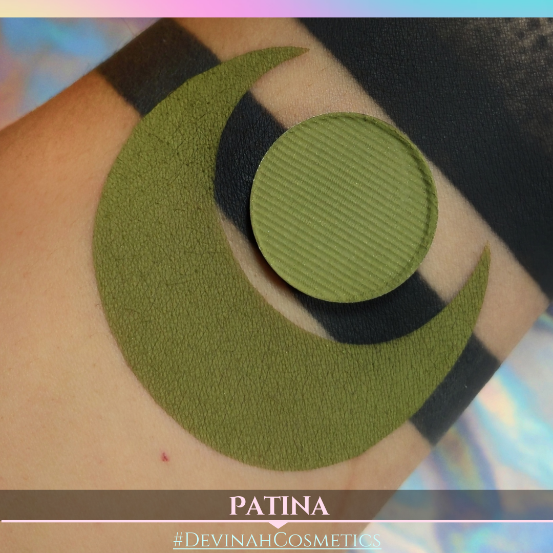 Rusty matte vintage green eyeshadow