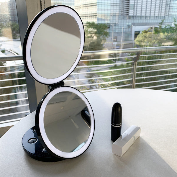 Led Lighted 3 Fold Travel Compact Makeup Mirror 1x 7x