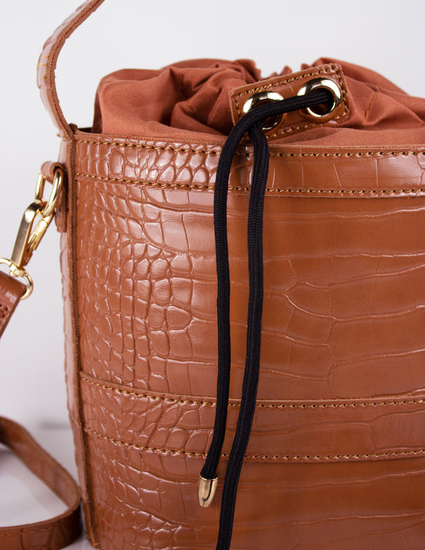 ASTATINE BUCKET BAG- CARAMEL