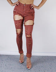 DISTRESSED SUMMER PANTS