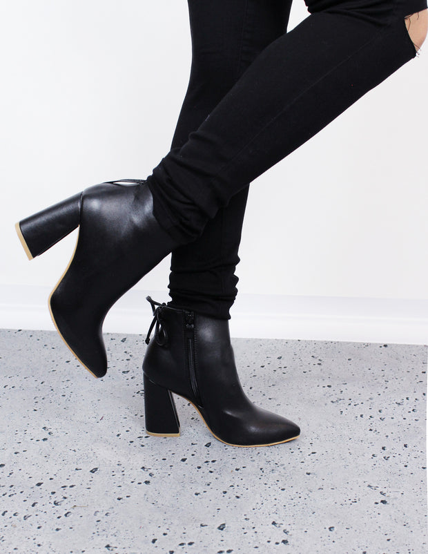 ROSCO ANKLE BOOTS - Blue District