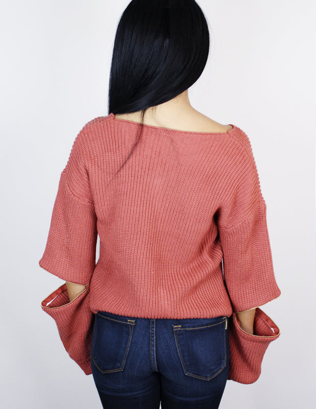 SKILLED SWEATER- CORAL - Blue District
