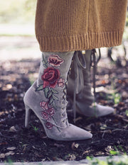 EMBROIDERED  FLORAL BOOTIES - Blue District