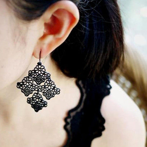 Claudia Earrings Black - Little Bisous
