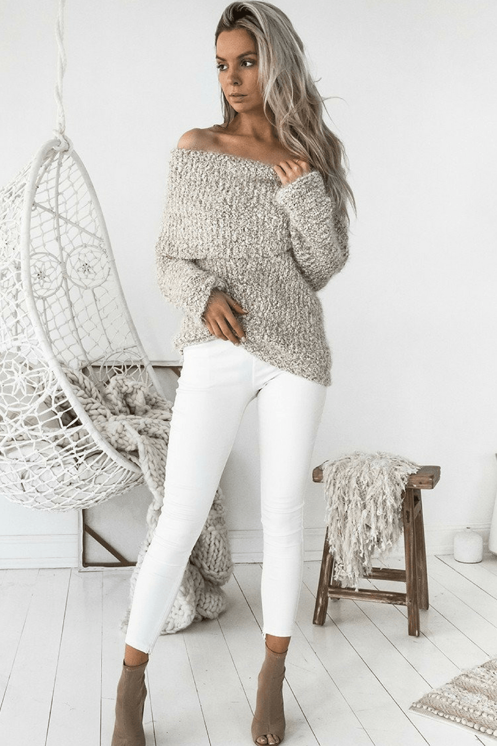 Elkie Roll Knit Sweater In Mocha