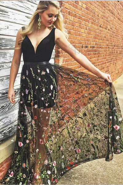 Chic A Line Black Lace V Neck Long Prom Dress Formal Evening Gown Graduation Dresses LD1533