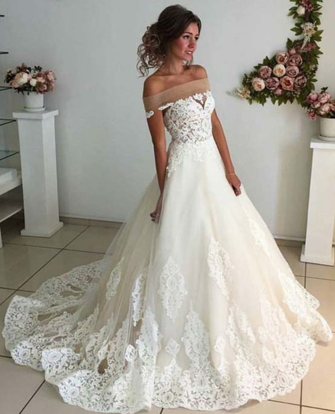 New Arrival Lace Appliques Princess High Quality Wedding Dresses Bridal Dress Wedding Gowns LD585