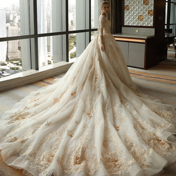 Luxury Long Sleeves Cathedral Train Lace A Line Wedding Dresses Bridal Dress Weding Gown LD915